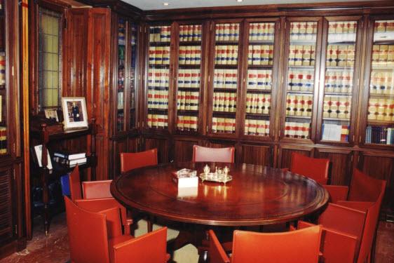 Oficinas bufete de lorenzo abogados for Oficinas liberbank valencia